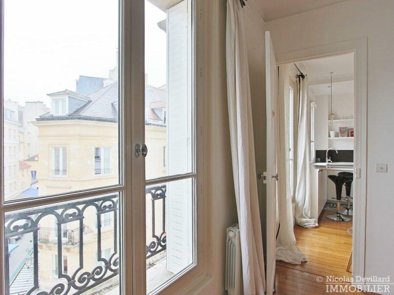 Saint-Germain-des-Prés-–-Jolie-vue-ensoleillé-et-rénové-–-75006-Paris-23
