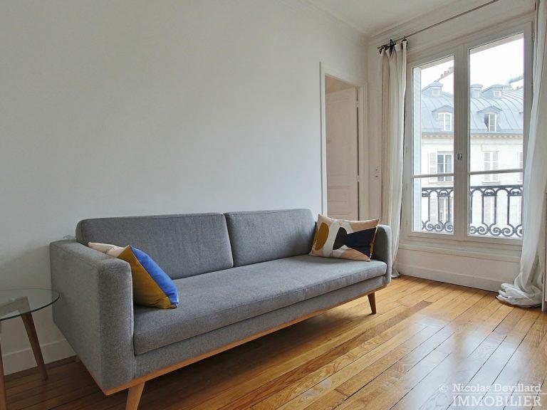 Saint-Germain-des-Prés-–-Jolie-vue-ensoleillé-et-rénové-–-75006-Paris-3