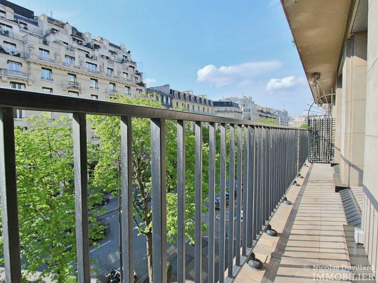 Triangle-d'OrGeorge-V-–-Luxueux-pied-à-terre-face-au-palace-–-75008-Paris-13