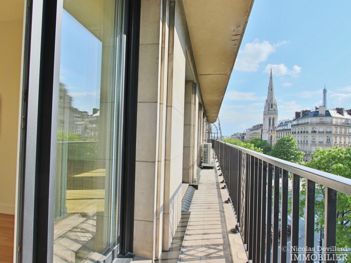Triangle-d'OrGeorge-V-–-Luxueux-pied-à-terre-face-au-palace-–-75008-Paris-23