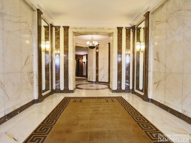 Triangle-d'OrGeorge-V-–-Luxueux-pied-à-terre-face-au-palace-–-75008-Paris-32