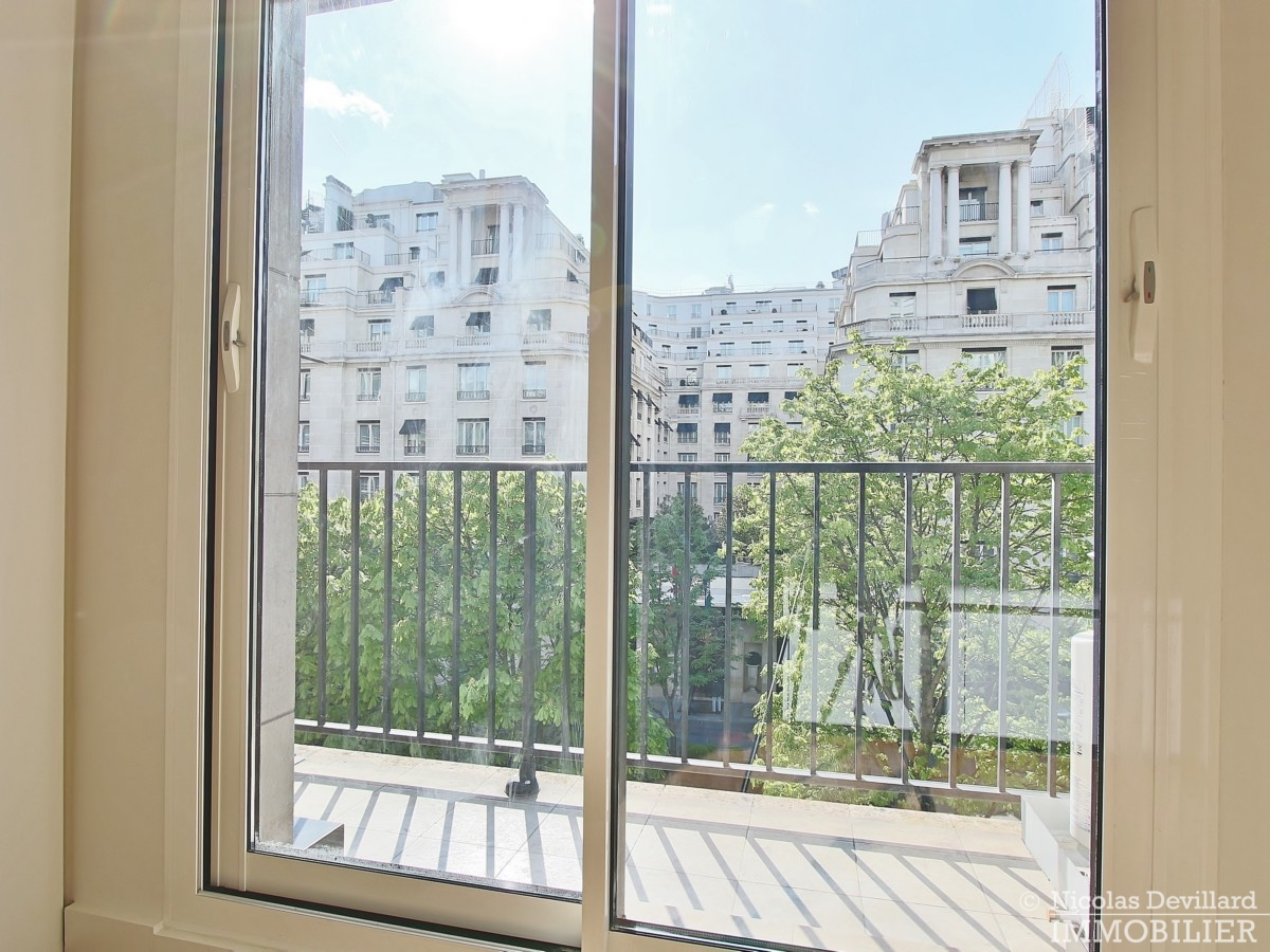 Triangle-d'OrGeorge-V-–-Luxueux-pied-à-terre-face-au-palace-–-75008-Paris-9
