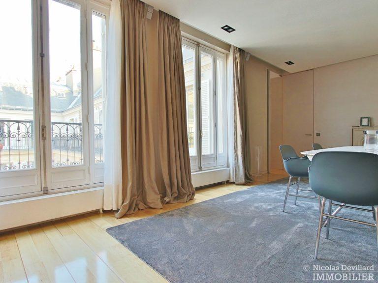 Triangle-d'OrMontaigne-–-Luxueux-duplex-au-dernier-étage-–-75008-Paris-10