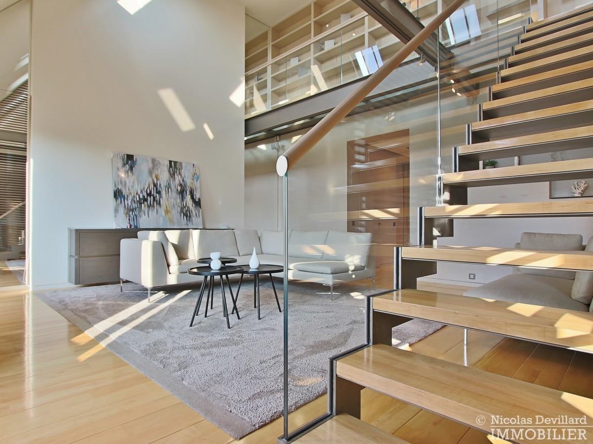 Triangle-d'OrMontaigne-–-Luxueux-duplex-au-dernier-étage-–-75008-Paris-18