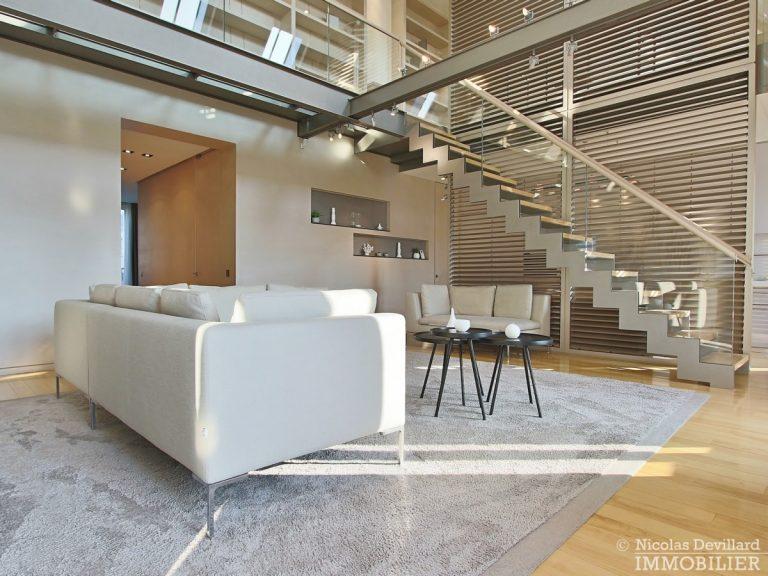 Triangle-d'OrMontaigne-–-Luxueux-duplex-au-dernier-étage-–-75008-Paris-19