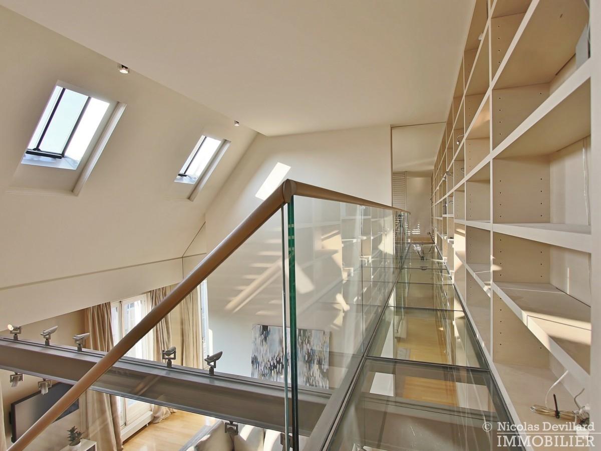 Triangle-d'OrMontaigne-–-Luxueux-duplex-au-dernier-étage-–-75008-Paris-21