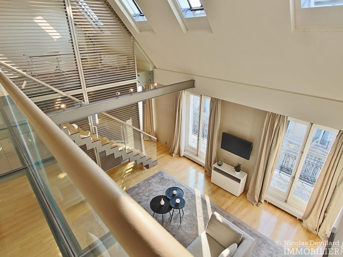 Triangle-d'OrMontaigne-–-Luxueux-duplex-au-dernier-étage-–-75008-Paris-23
