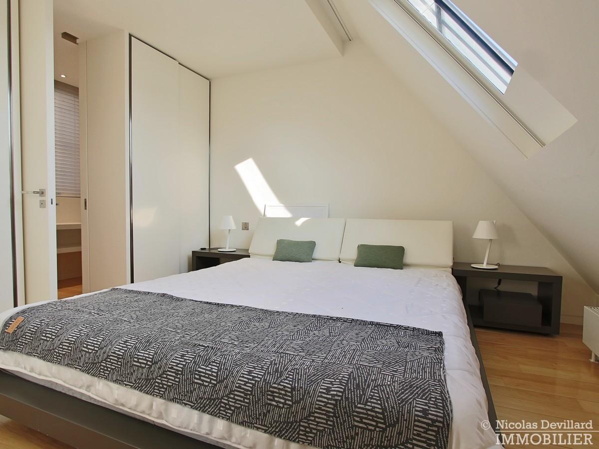 Triangle-d'OrMontaigne-–-Luxueux-duplex-au-dernier-étage-–-75008-Paris-24