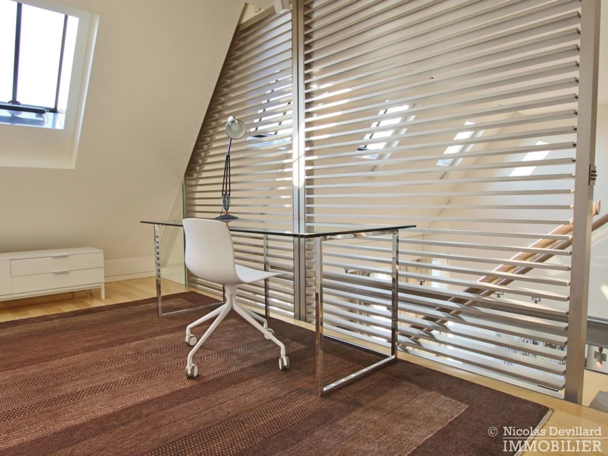 Triangle-d'OrMontaigne-–-Luxueux-duplex-au-dernier-étage-–-75008-Paris-25