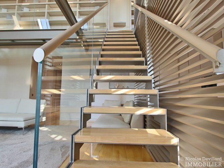 Triangle-d'OrMontaigne-–-Luxueux-duplex-au-dernier-étage-–-75008-Paris-26