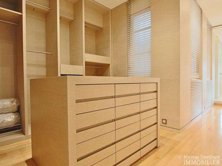 Triangle-d'OrMontaigne-–-Luxueux-duplex-au-dernier-étage-–-75008-Paris-29