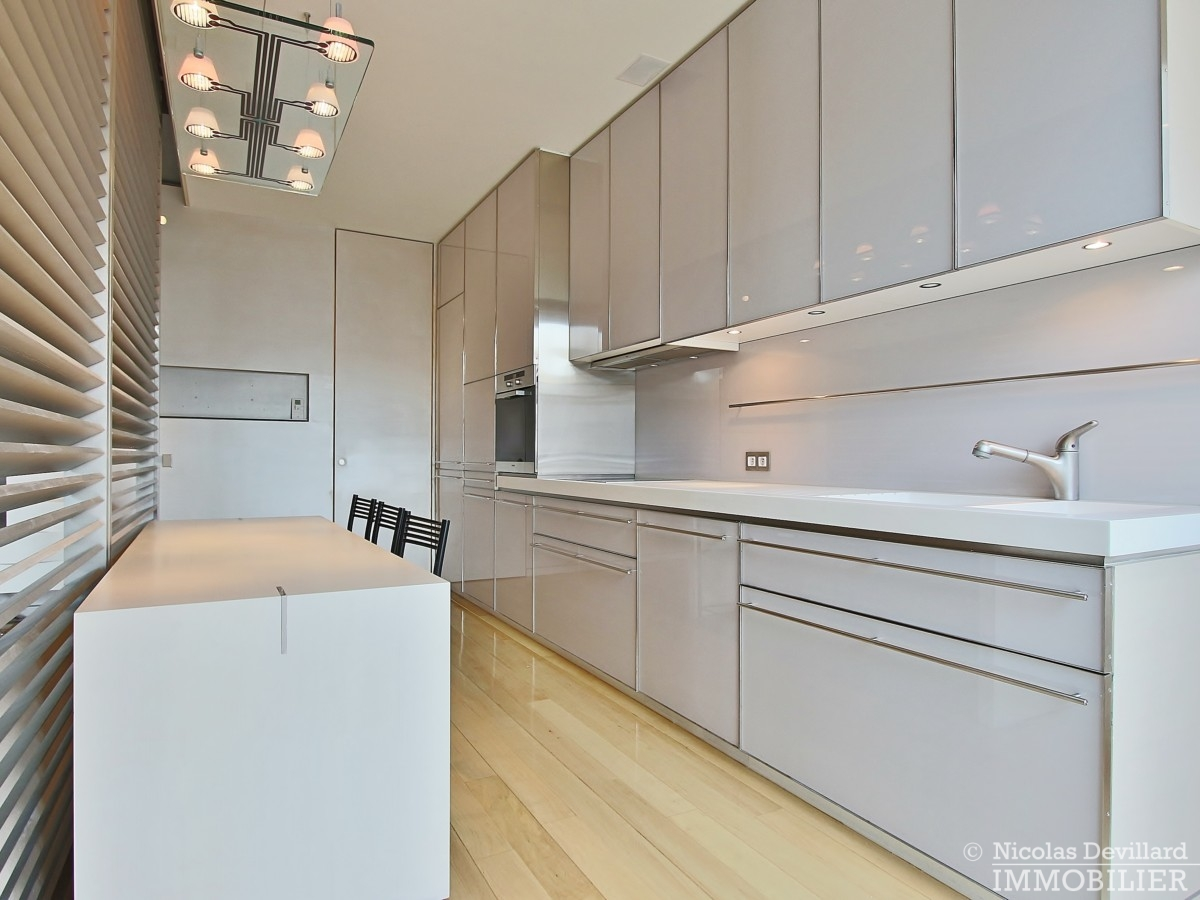 Triangle-d'OrMontaigne-–-Luxueux-duplex-au-dernier-étage-–-75008-Paris-3
