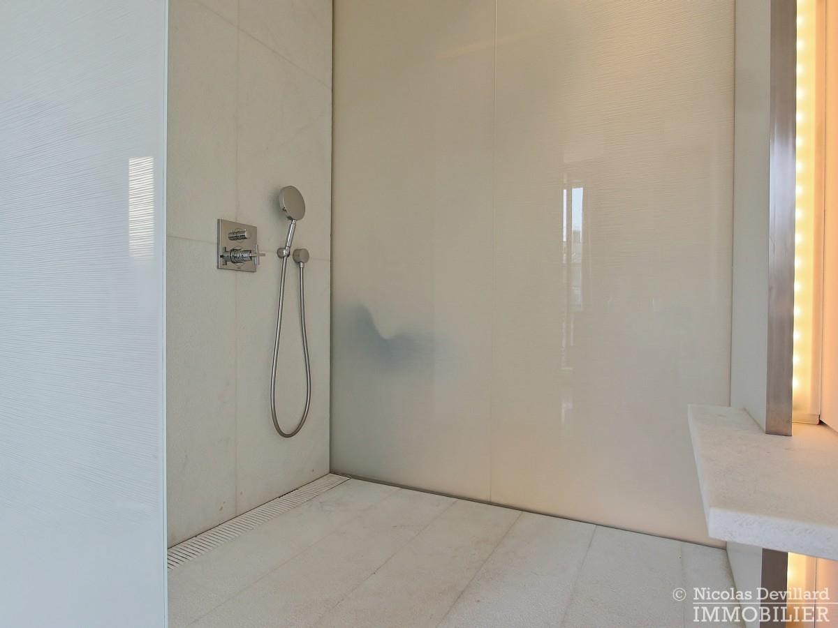 Triangle-d'OrMontaigne-–-Luxueux-duplex-au-dernier-étage-–-75008-Paris-31