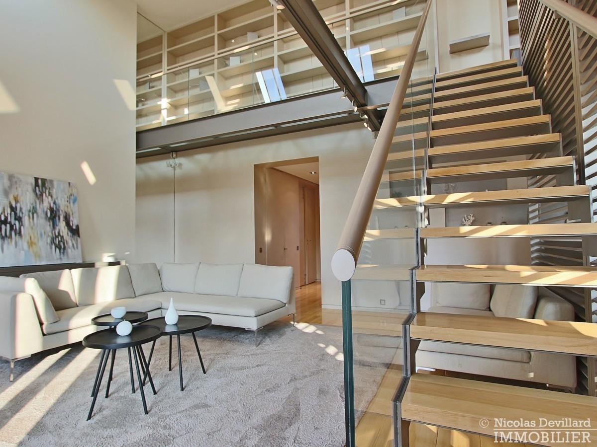 Triangle-d'OrMontaigne-–-Luxueux-duplex-au-dernier-étage-–-75008-Paris-35
