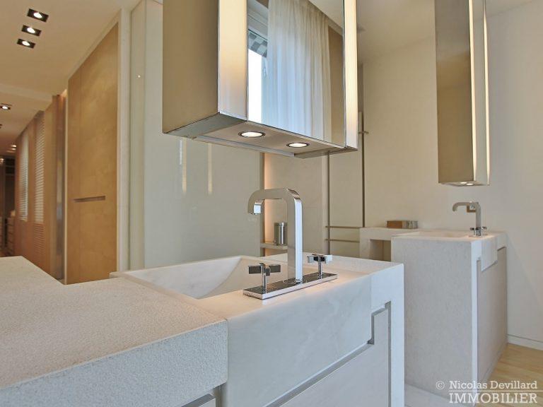 Triangle-d'OrMontaigne-–-Luxueux-duplex-au-dernier-étage-–-75008-Paris-4