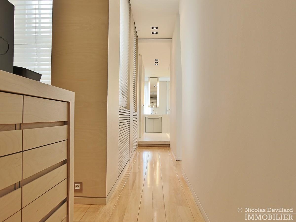 Triangle-d'OrMontaigne-–-Luxueux-duplex-au-dernier-étage-–-75008-Paris-6