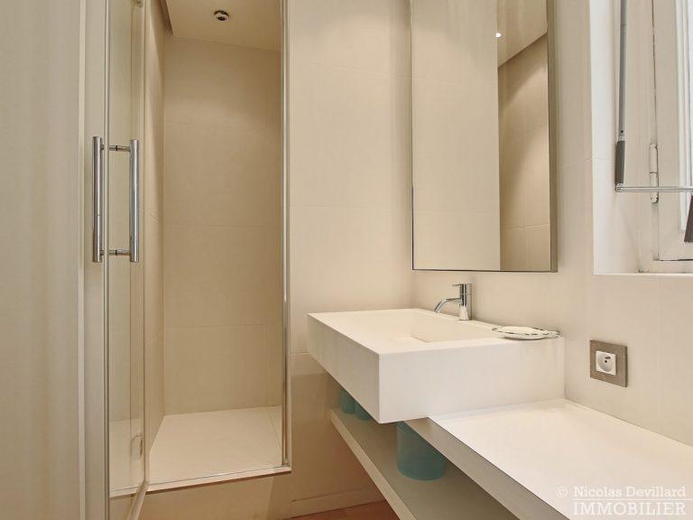 Triangle-d'OrMontaigne-–-Luxueux-duplex-au-dernier-étage-–-75008-Paris-7