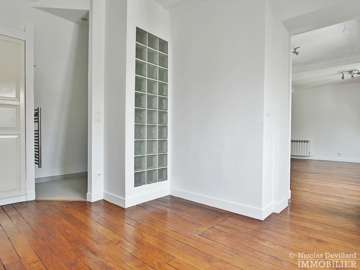 VaugirardMairie-–-Dernier-étage-vue-calme-et-charme-–-75015-Paris-16