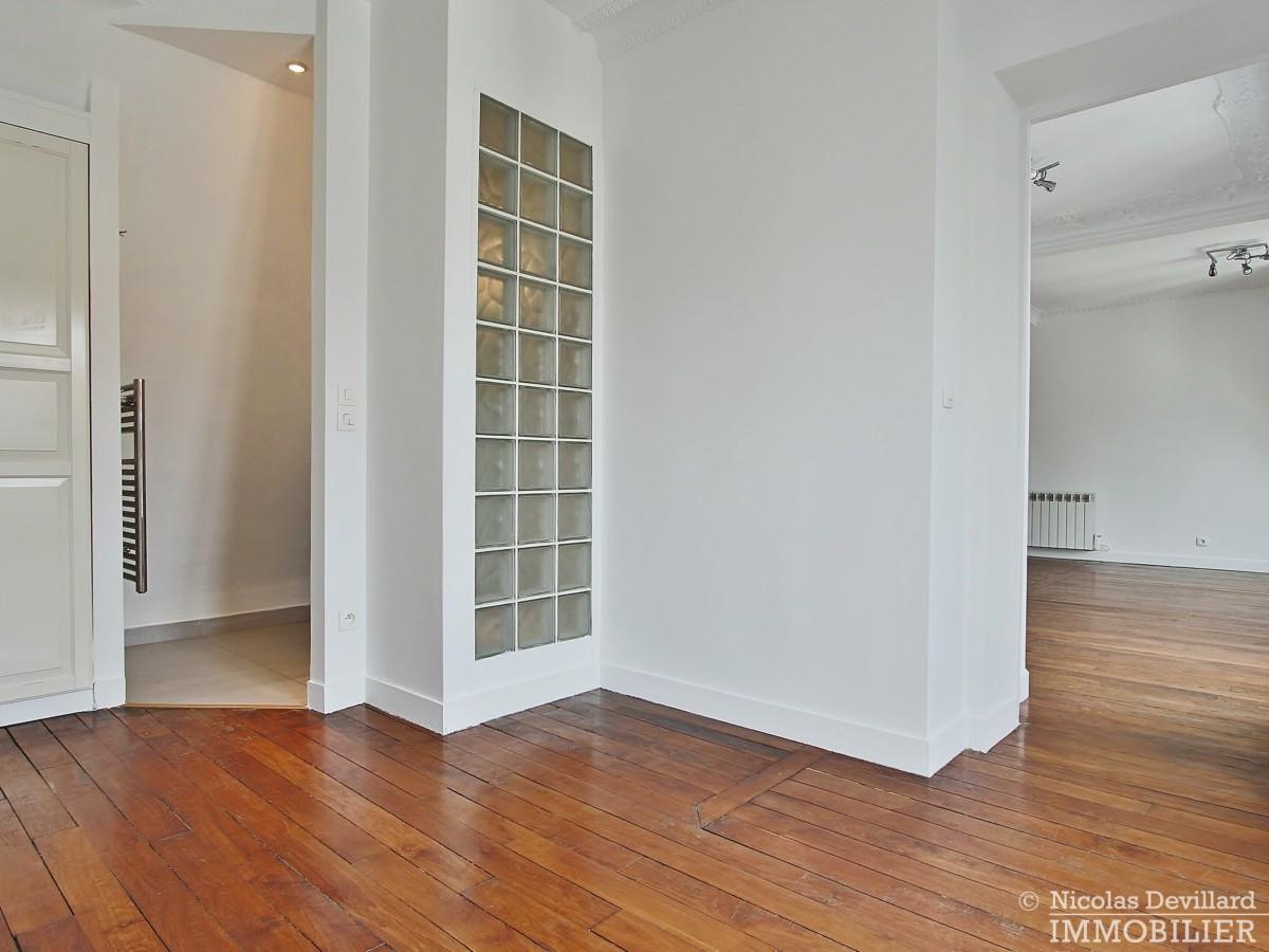 VaugirardMairie-–-Dernier-étage-vue-calme-et-charme-–-75015-Paris-17