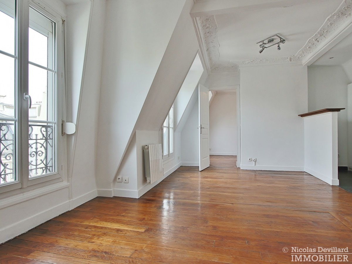VaugirardMairie-–-Dernier-étage-vue-calme-et-charme-–-75015-Paris-6