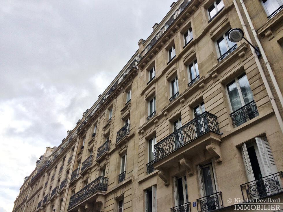 Victor-Hugo-–-Grand-salon-parquet-et-calme-75116-Paris-18