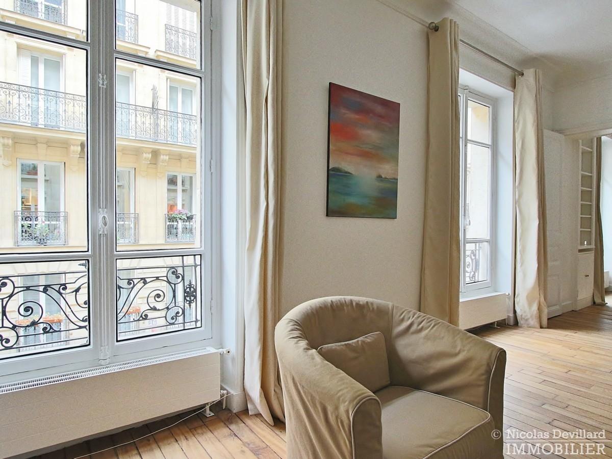 Victor-Hugo-–-Grand-salon-parquet-et-calme-75116-Paris-5