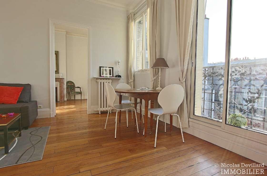 Victor-HugoPompe-–-Dernier-étage-rénové-en-plein-soleil-–-75116-Paris-5