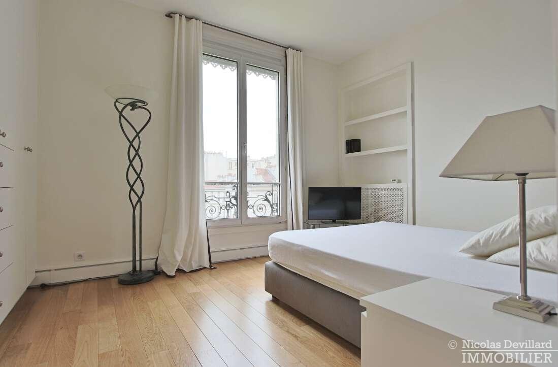 Village-de-Passy-–-Grand-salon-ensoleillé-et-rénové-–-75016-Paris-12