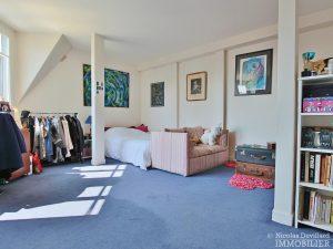 FlandrinLongchamp – Dernier étage superbe terrasse et vue – 75116 Paris 16