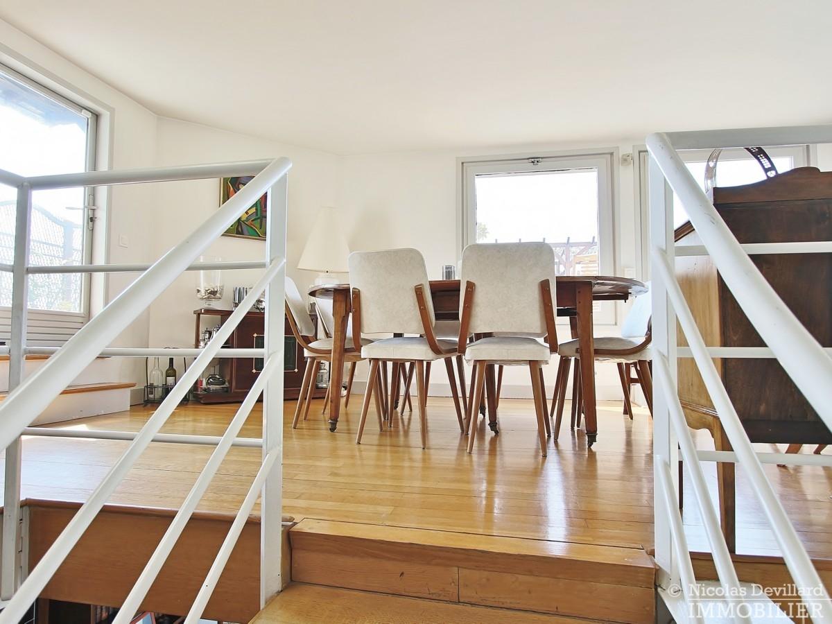 FlandrinLongchamp – Dernier étage superbe terrasse et vue – 75116 Paris 18
