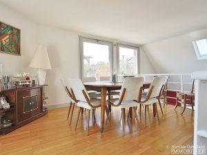 FlandrinLongchamp – Dernier étage superbe terrasse et vue – 75116 Paris 19