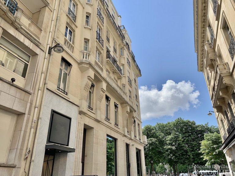 Rond-Point-des-Champs-Elysées-–-Rénové-volumes-et-belle-allure-75008-Paris-5