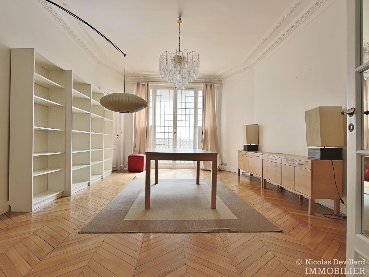 Victor HugoFoch – Très beaux volumes calme et lumière – 75116 Paris 29