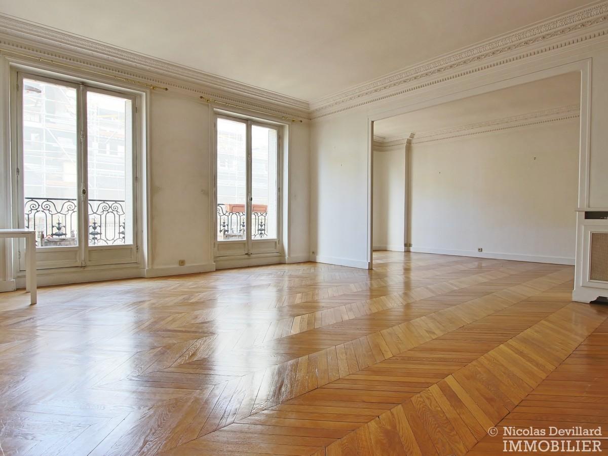 Victor HugoFoch – Très beaux volumes calme et lumière – 75116 Paris 34