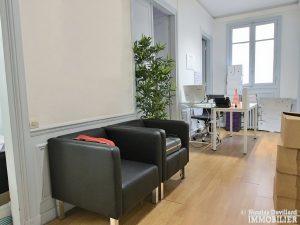 FochGrande Armée – Grand appartement avec 8 bureaux et terrasse très bien situés – 75116 Paris 8
