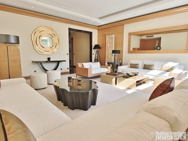 Henri-MartinOCDE-–-Luxueux-appartement-de-réception-dans-la-verdure-–-75116-Paris-20