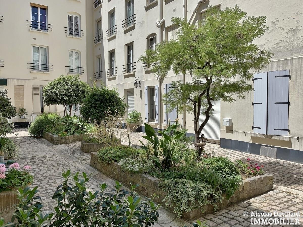 InvalidesSaint Dominique – Vaste studio superbement rénové sur cour arborée – 75007 Paris 1
