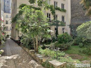 InvalidesSaint Dominique – Vaste studio superbement rénové sur cour arborée – 75007 Paris 2