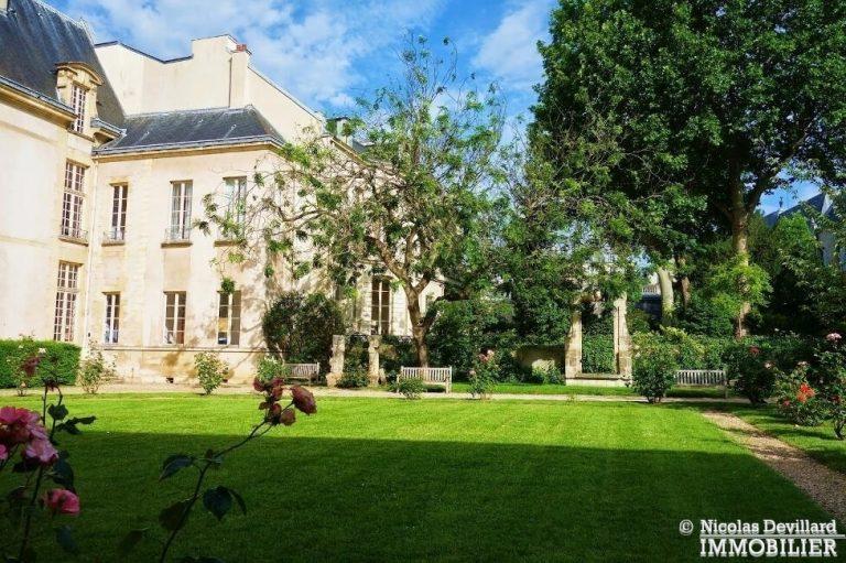 Marais-–-Rénové-au-calme-sur-cour-–-75003-Paris-19