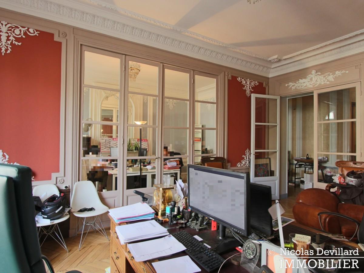 Plaine MonceauCourcelles – Très bel hausmannien (professionnel et habitation) – 75017 Paris (13)