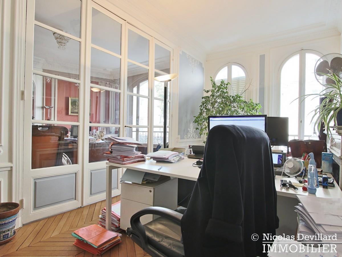 Plaine MonceauCourcelles – Très bel hausmannien (professionnel et habitation) – 75017 Paris (14)