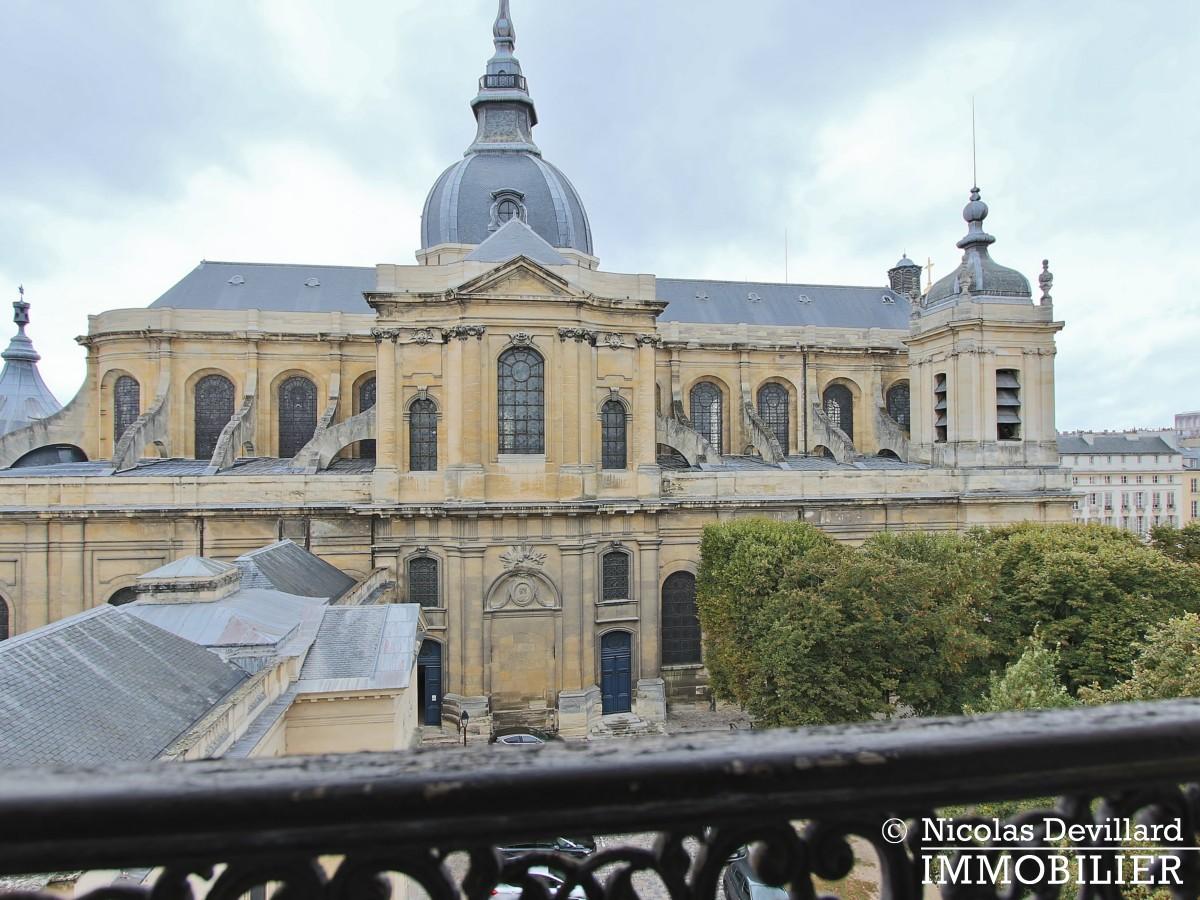 Saint LouisCarrés – Dernier étage de charme avec vue – 78000 Versailles (11)