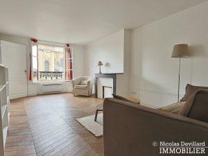 Saint LouisCarrés – Dernier étage de charme avec vue – 78000 Versailles (13)