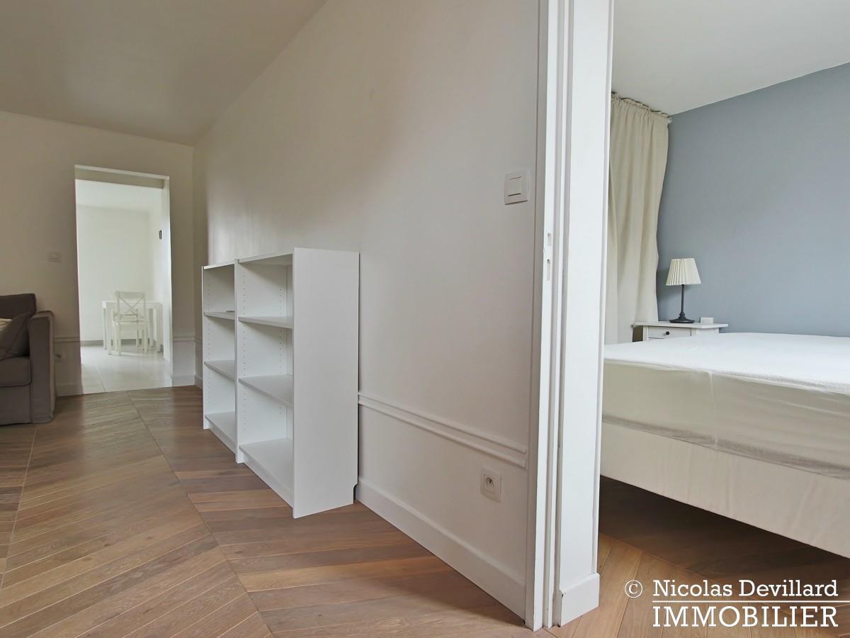 Saint LouisCarrés – Dernier étage de charme avec vue – 78000 Versailles (21)