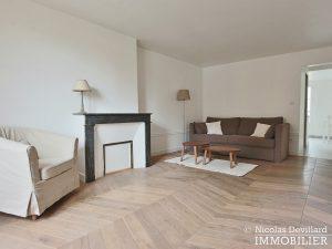 Saint LouisCarrés – Dernier étage de charme avec vue – 78000 Versailles (22)