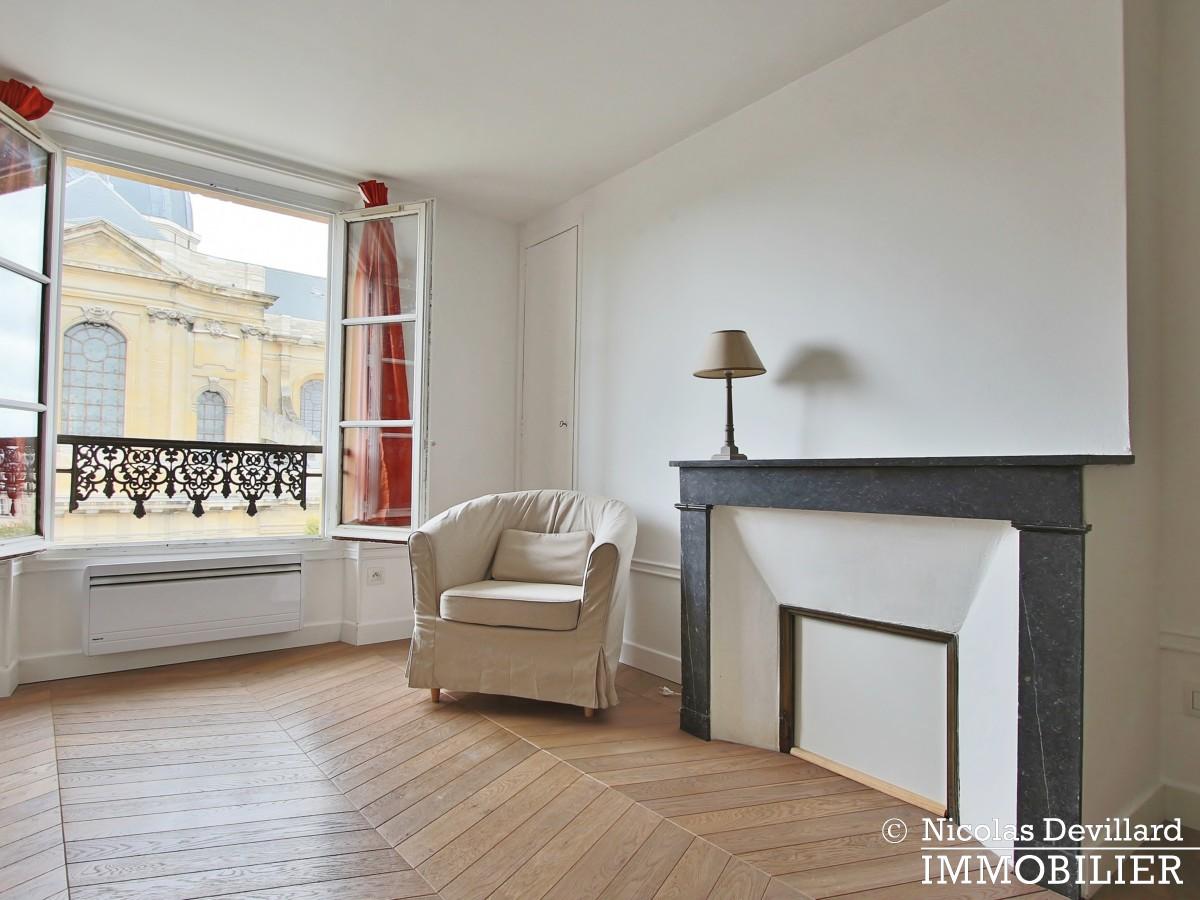 Saint LouisCarrés – Dernier étage de charme avec vue – 78000 Versailles (9)
