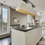 Alma Marceau – Duplex dernier étage, vue panoramique et prestations luxueuses – 75116 Paris (10)