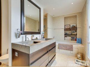 Alma Marceau – Duplex dernier étage, vue panoramique et prestations luxueuses – 75116 Paris (3)