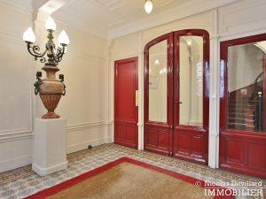 MadeleineSt Augustin – Dernier étage, vue, calme et soleil – 75008 Paris (1)