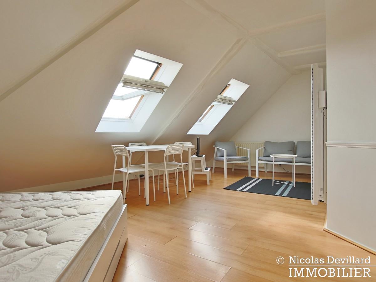 MadeleineSt Augustin – Dernier étage, vue, calme et soleil – 75008 Paris (10)